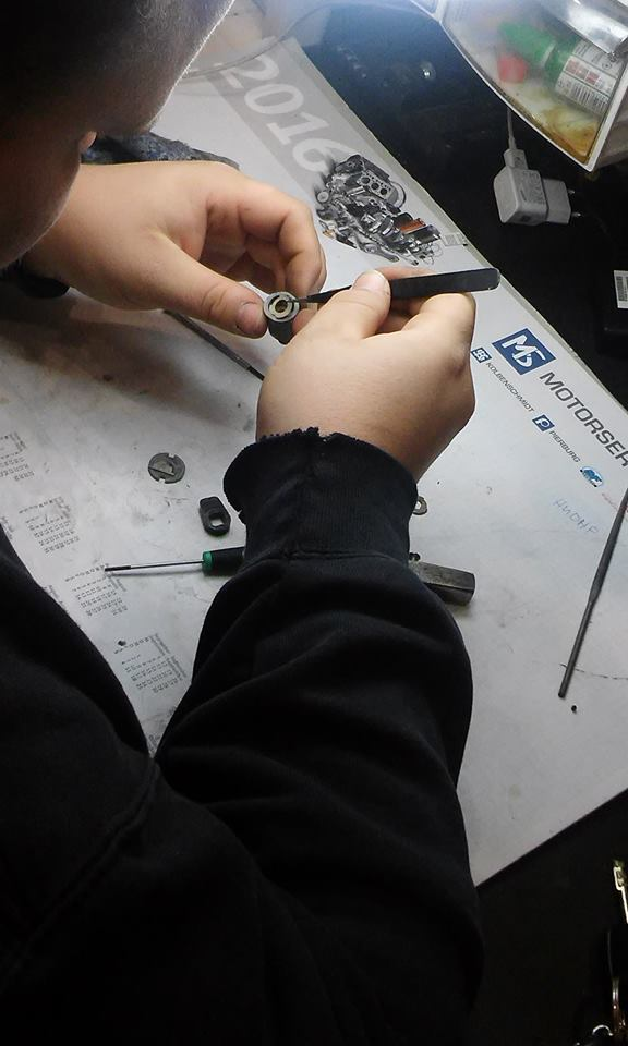 Ремонт на ключалка за резервоар на FORD